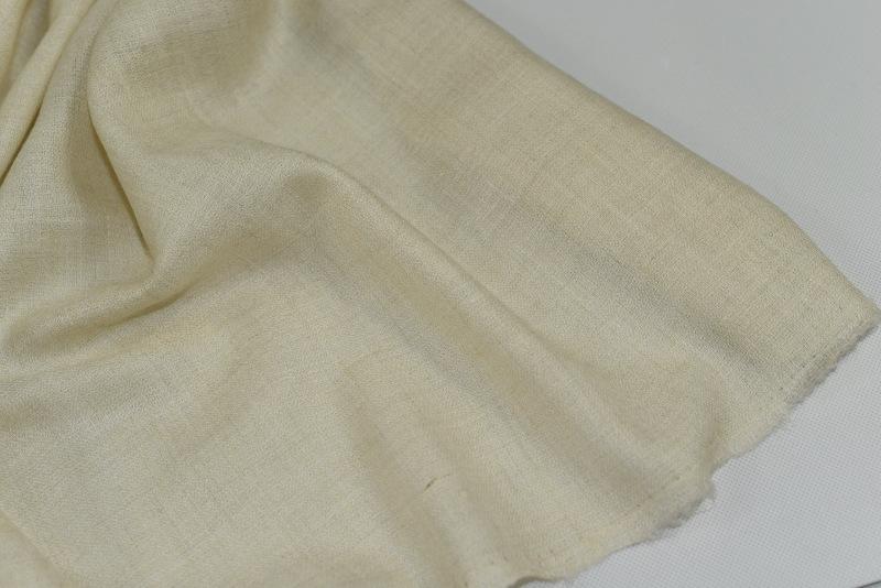 49dd24084e2 Pravá kašmírová šála - nebarvená v odstínu slonové kosti - Kashmir.cz