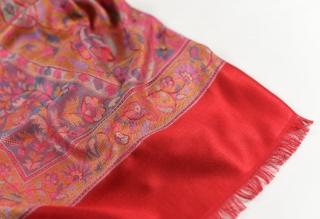 Hedvábná šála Standard velká - Červená s ornamenty empty 3c84569700