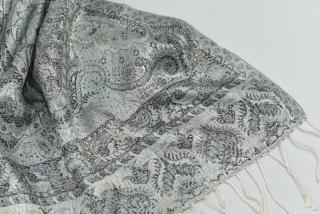 6bfb597053 Hedvábná šála Jamawar střední - stříbrná