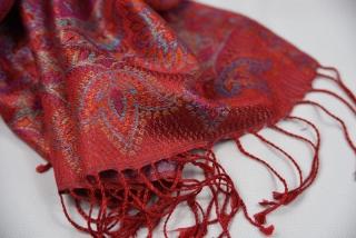 Hedvábná šála Jamawar velká - červená s pastelově modrými ornamenty empty 89a9b2aa0d