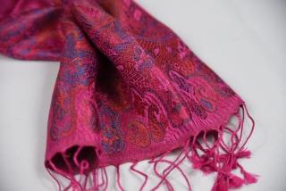eae14de6199 Hedvábná šála Jamawar malá - křiklavě růžová s ornamenty empty